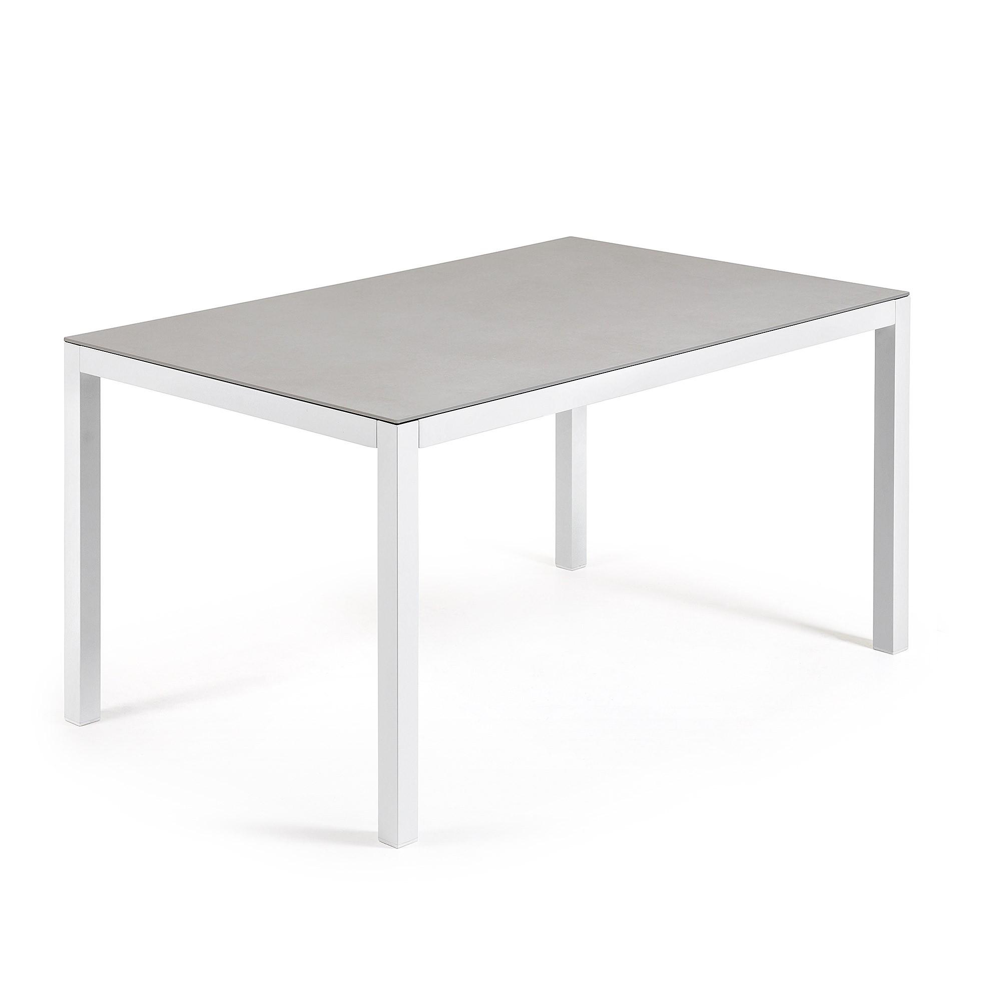 Blanca de 140 X 90 cm.